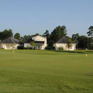 Pinecrest GC: putting green